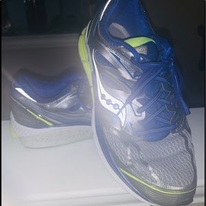 Sauscony Liberty ISO Road-Running Shoes - Women's